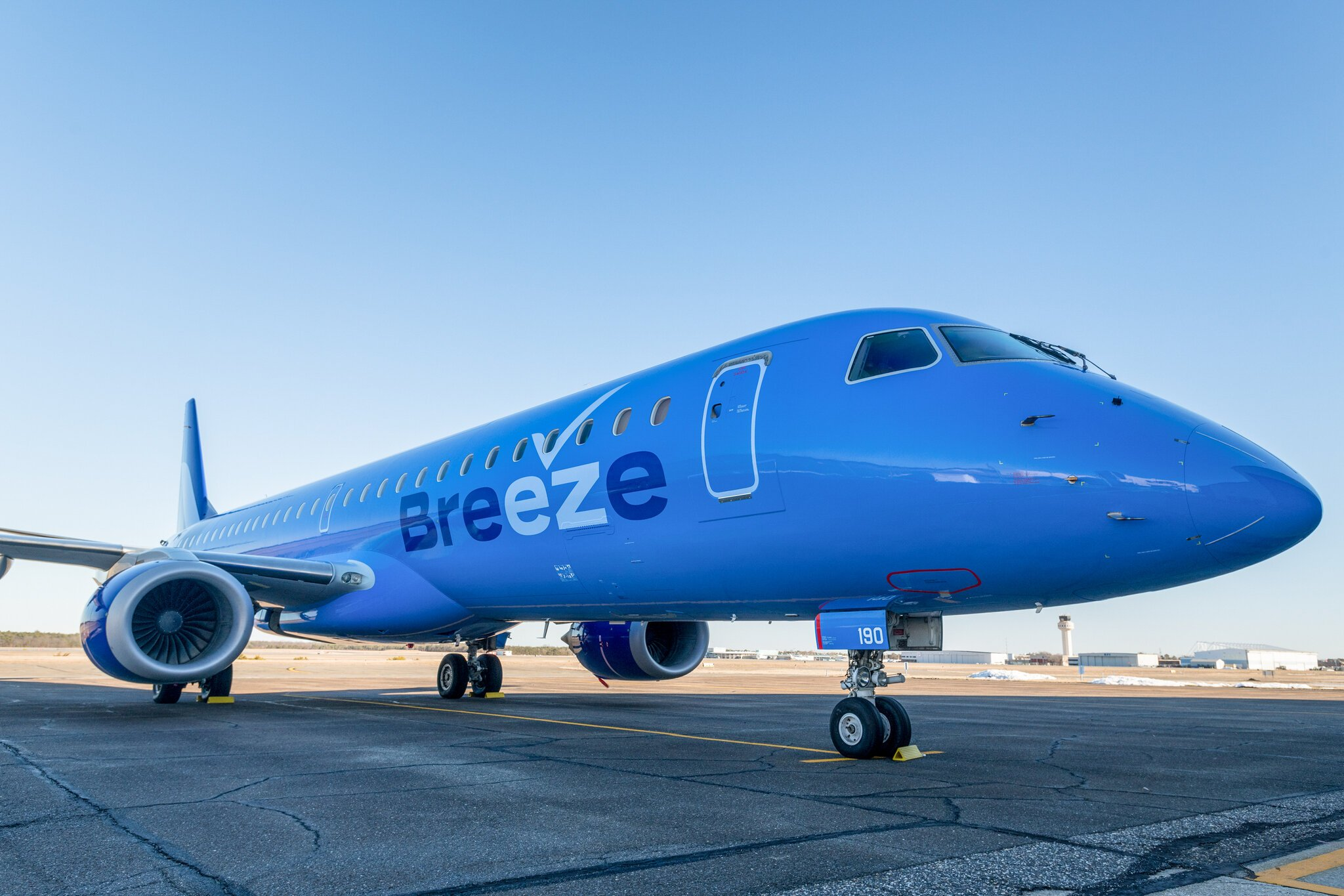 Jobs: Flight Attendant Breeze Airways US