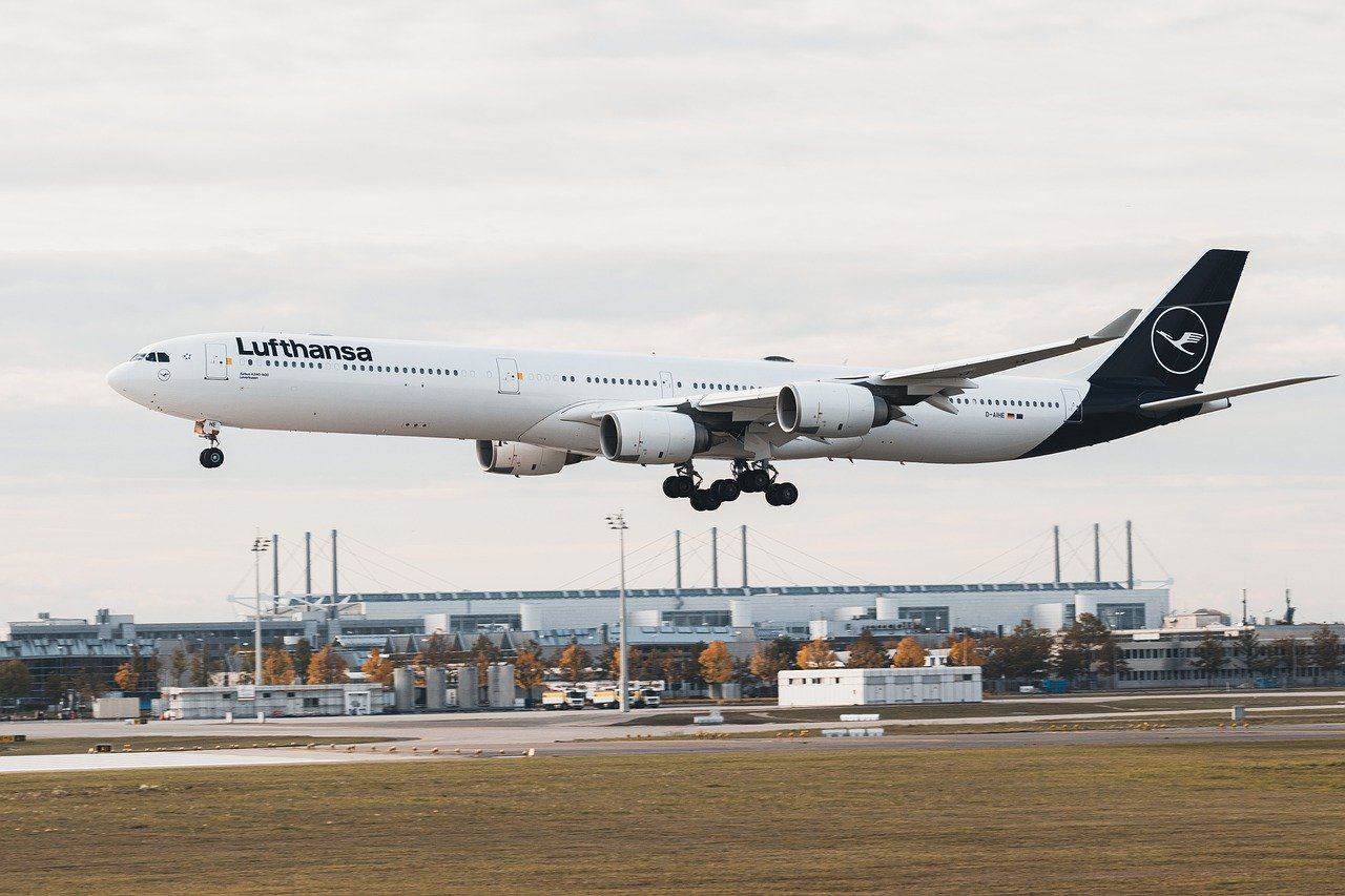 Lufthansa to replace A340 fleet by 10 new long-haul jets