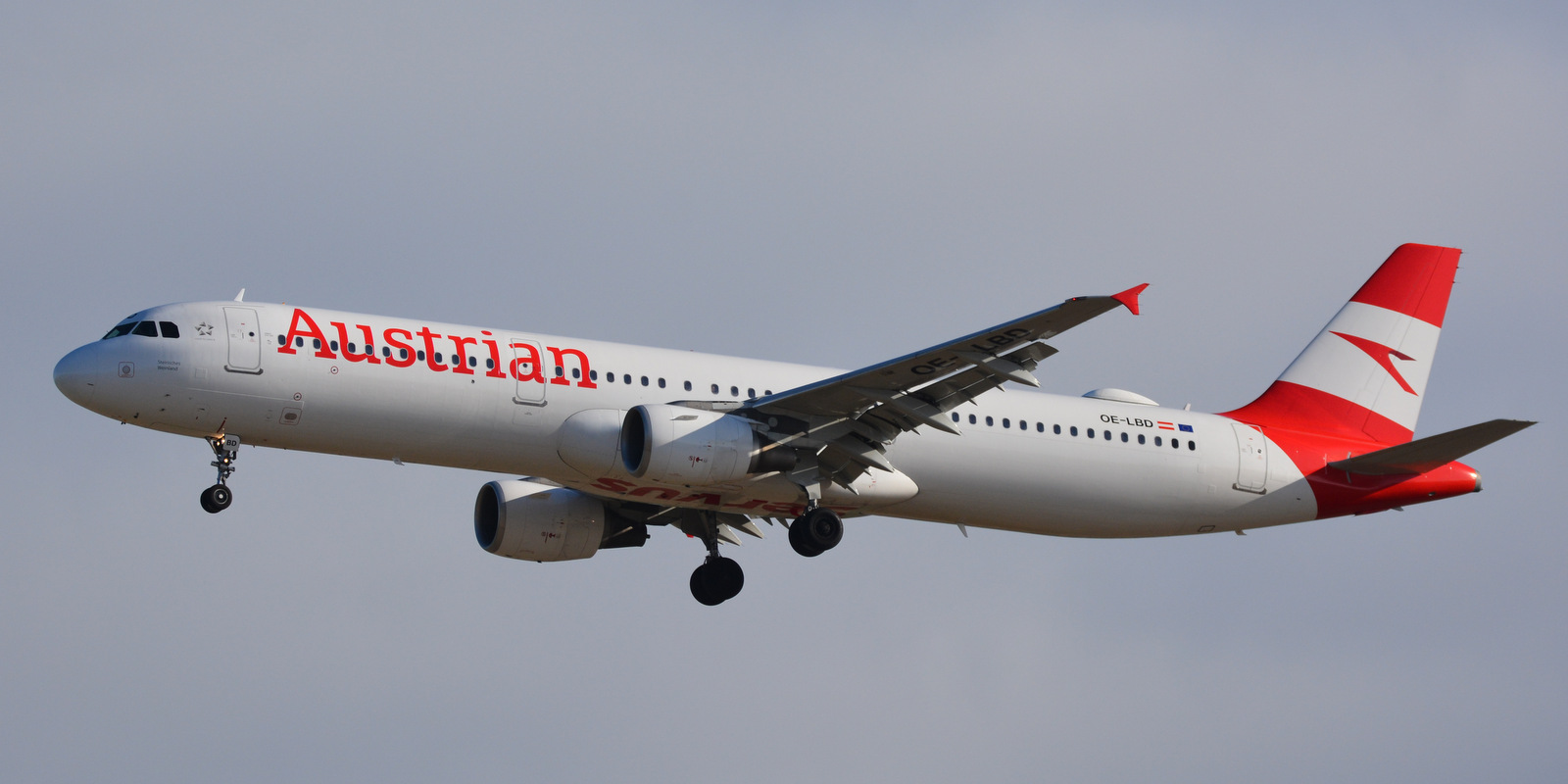 INCIDENT: Austrian A321 Smoke In Cockpit
