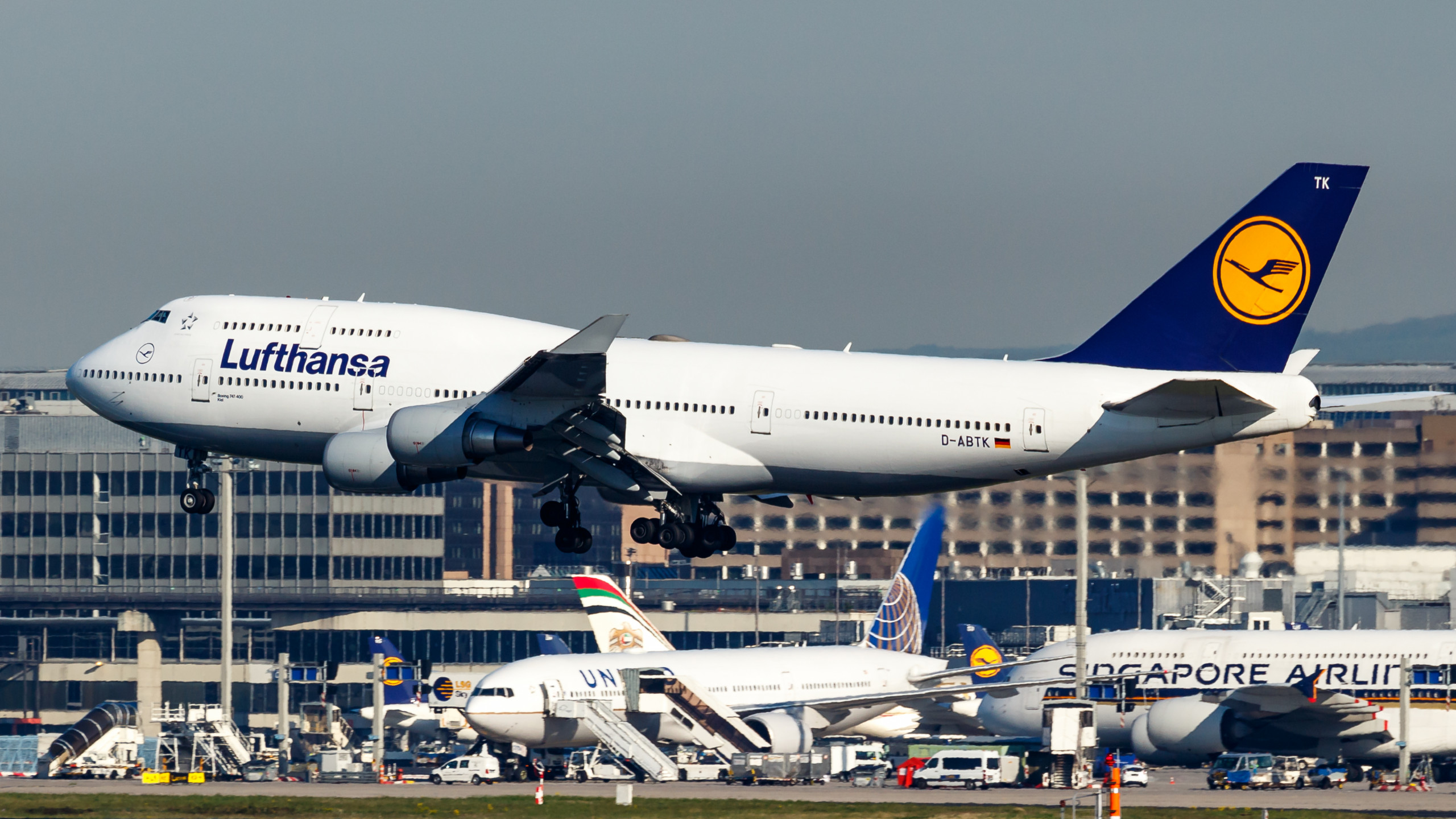 Lufthansa Brings Last 747 Out of Storage From Twente Airport
